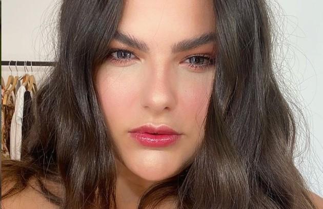 Ela viverá Vitória, uma modelo plus size bem-sucedida (Foto: Reprodução)