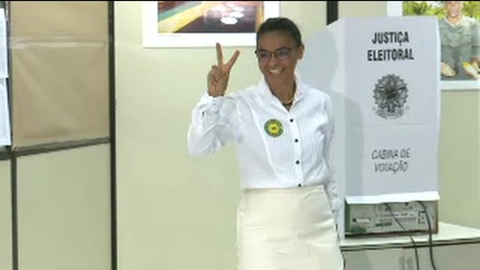 Marina Silva vota na sede do Incra em Rio Branco