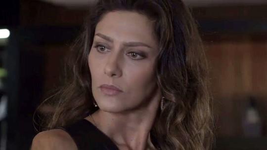 Joyce descobre bomba e encurrala Eugênio: 'Irene está gravida?'