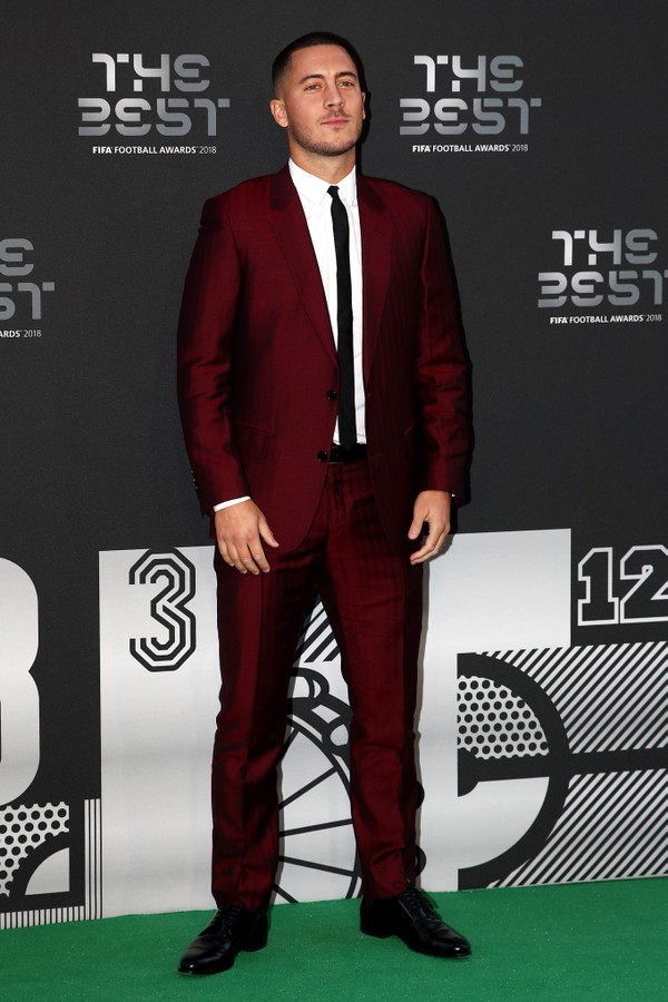 LONDON, ENGLAND - SEPTEMBER 24:  Eden Hazard of Chelsea arrives on the Green Carpet ahead of The Best FIFA Football Awards at Royal Festival Hall on September 24, 2018 in London, England.  (Photo by Julian Finney/Getty Images) (Foto: Getty Images)