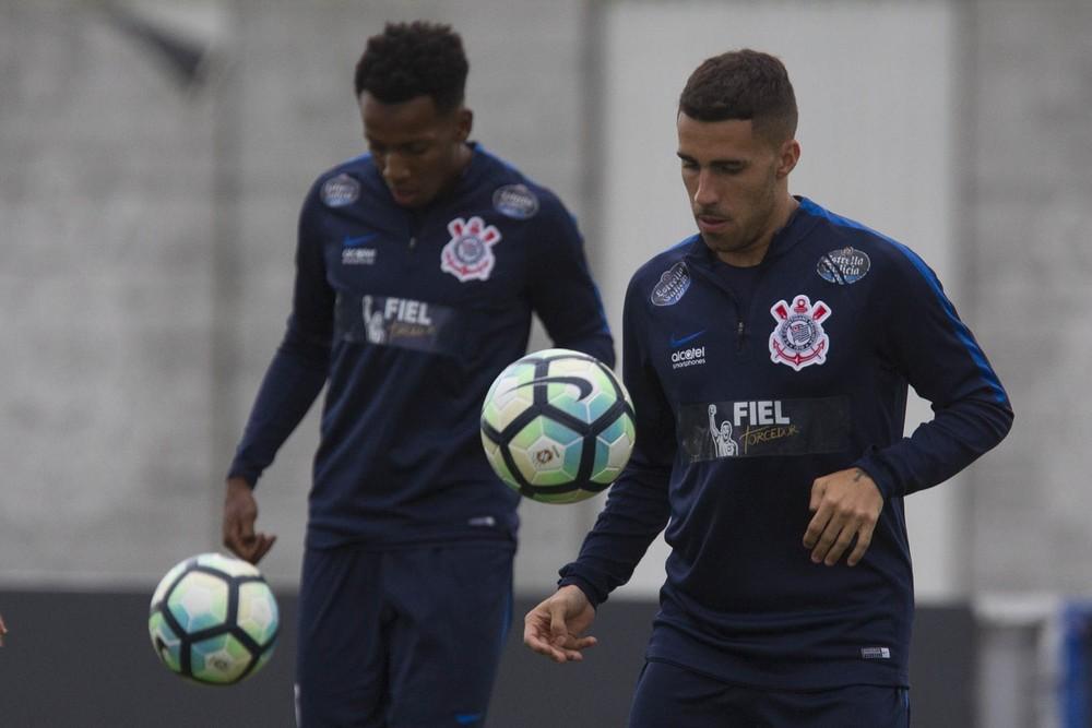 Palmeiras busca igualar Corinthians em derby decisivo no Brasileirão