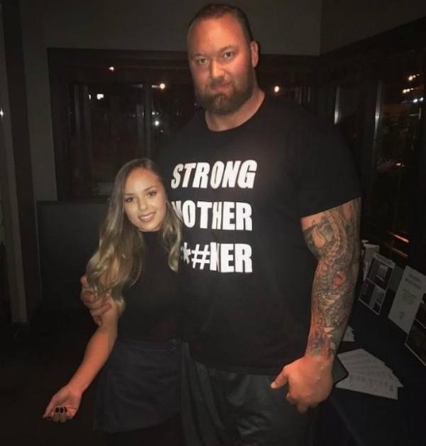 Thor Bjornsson e sua namorada Kelsey (Foto: Reprodução Instagram)