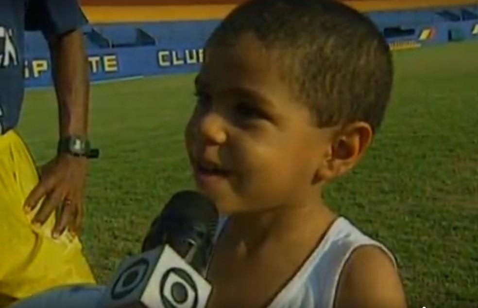 """João Henrique, filho de Cafezinho, mandou recado para Romário: """"Não bata no meu pai"""" — Foto: Reprodução/TV Globo"""