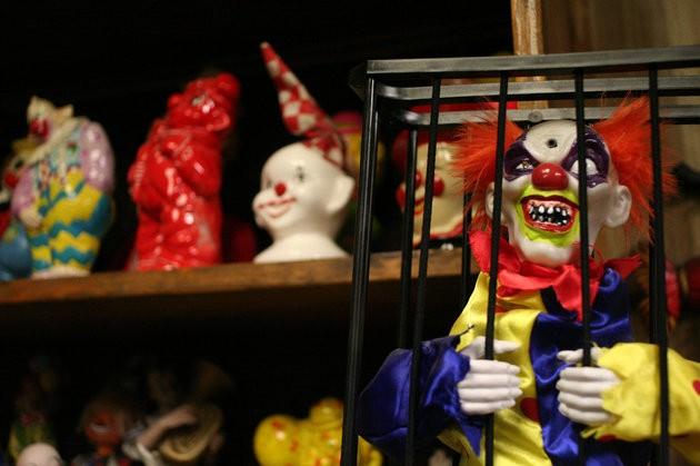 Palhaços da coleção do dono do Clown Motel