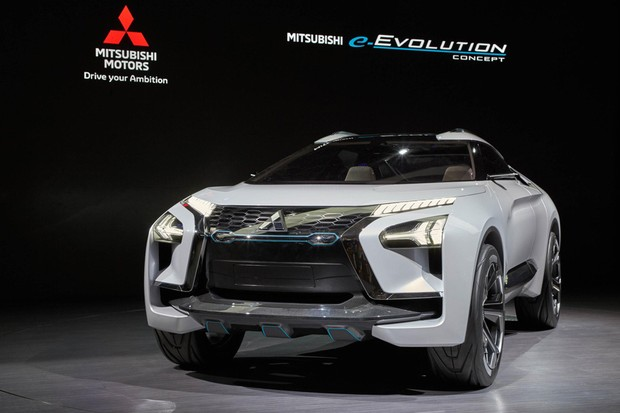 Mitsubishi e-Evolution Concept no Salão de Xanguai (Foto: Newspress)