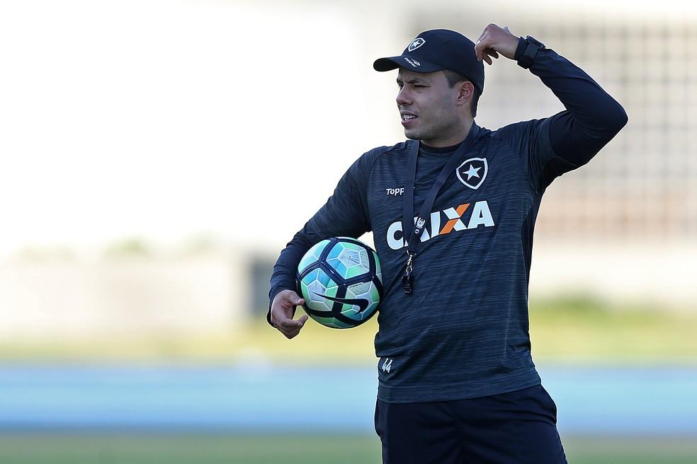 Se ganhar, Mufarrej quer Jair durante seus três anos de mandato (Foto: Vitor Silva / SSpress / Botafogo)
