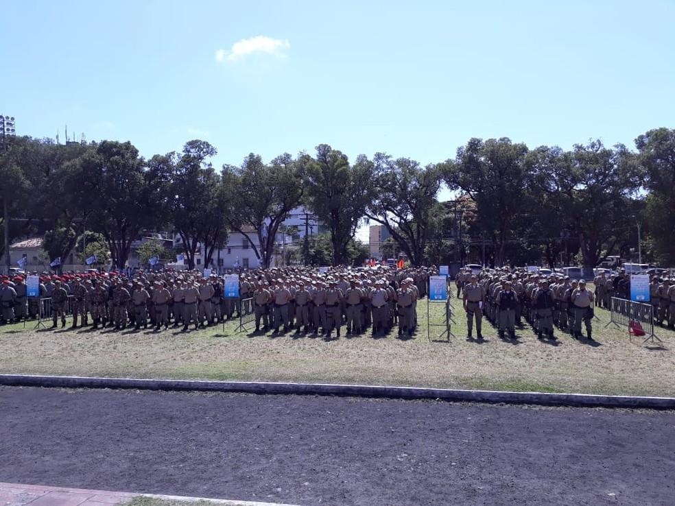Policiais militares são enviados para reforçar segurança nas eleições no interior de Pernambuco — Foto: Camila Torres/TV Globo