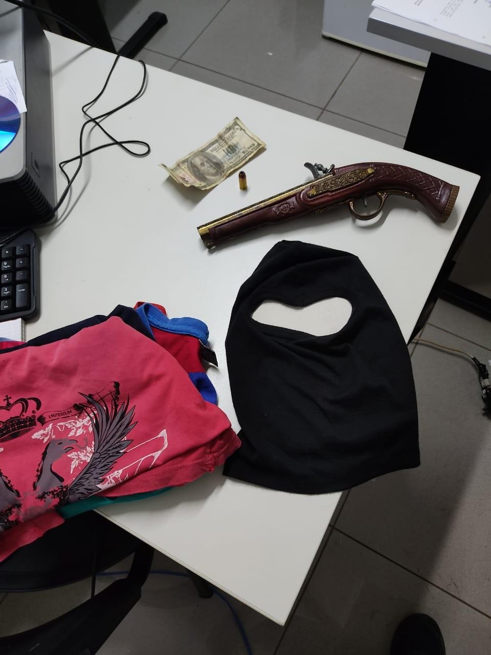 Casal é preso suspeito de cometer dois roubos em Uberlândia