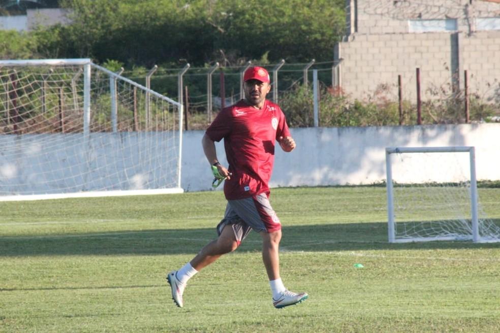 Luizinho Lopes comanda o Mecão — Foto: Canindé Pereira/América FC