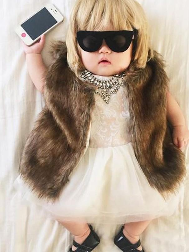 Mãe veste sua bebê com looks icônicos (Foto: Reprodução/Instagram)