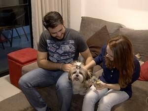 Belinha é tratada como filha por Samuel e Clara (Foto: Reprodução/TV Anhanguera)