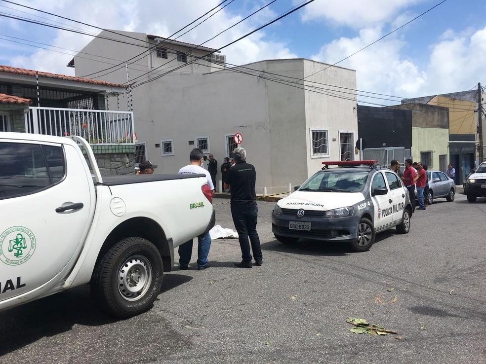 Crime aconteceu na rua dos Pajeús, no Alecrim (Foto: Mauro Teraiama/Inter TV Cabugi)