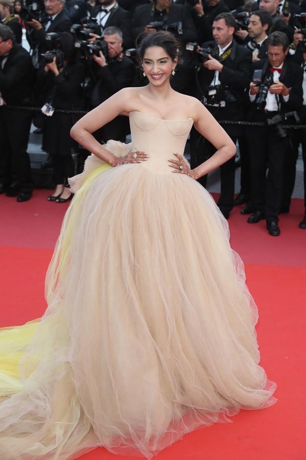 Sonam Kapoor de Vera Wang Bridal no Festival de Cinema de Cannes (Foto: Antonio Barros)