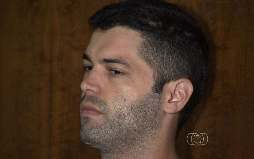 Tiago Henrique durante o 1º júri popular, em 2016 — Foto: Reprodução/TV Anhanguera