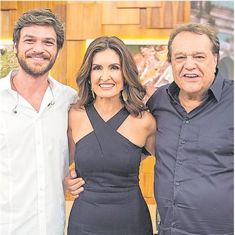 Emilio Dantas, Fátima Bernardes e Dennis Carvalho (Foto: TV Globo/João Cotta)
