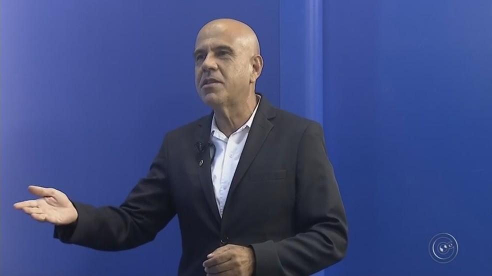 Economista Marcos Antônio Canhada afirma que é necessário ter planejamento antes de comprar ou alugar imóvel (Foto: Reprodução/TV TEM)