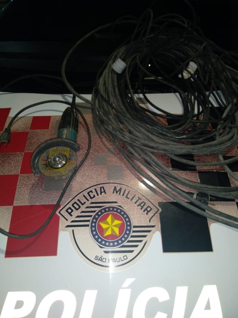 Após furtar obra, homem é flagrado com rolo de extensão de fios elétricos e lixadeira em Dracena