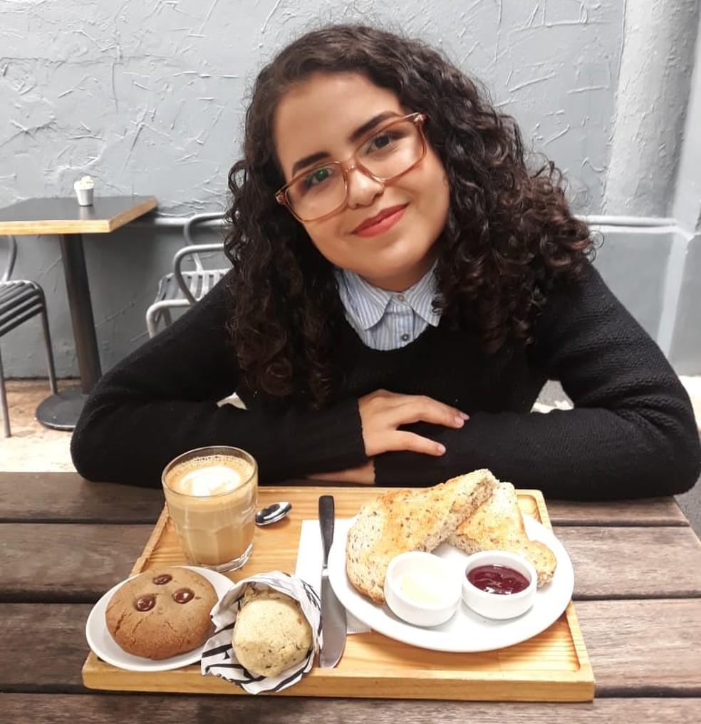 No site e canal no YouTube Érica fala sobre comidas, viagens e também sobre depressão — Foto: Érica Rodrigues/Arquivo Pessoal