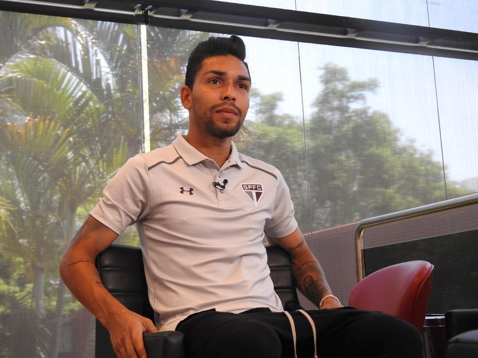 Petros, do São Paulo: uma das novas lideranças do time (Foto: Marcelo Hazan)