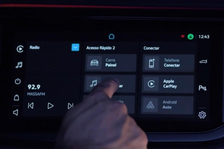 O VolksPlay oferece um computador de bordo com as informações do veículo em tempo real (Foto: Divulgação)