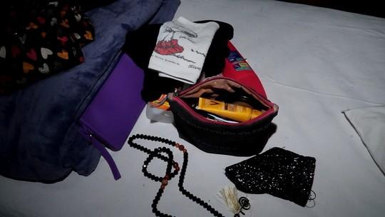 Vem ver o que a Júlia Magalhães carrega em sua mochila