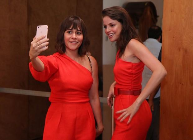Alessandra Negrini e Agatha Moreira (Foto: Daniel Pinheiro/AgNews)