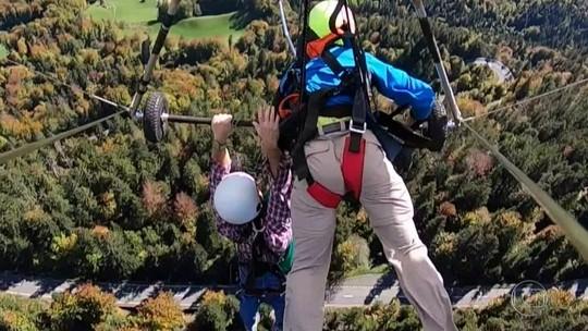 Turista vive momentos de tensão em voo de asa delta na Suíça