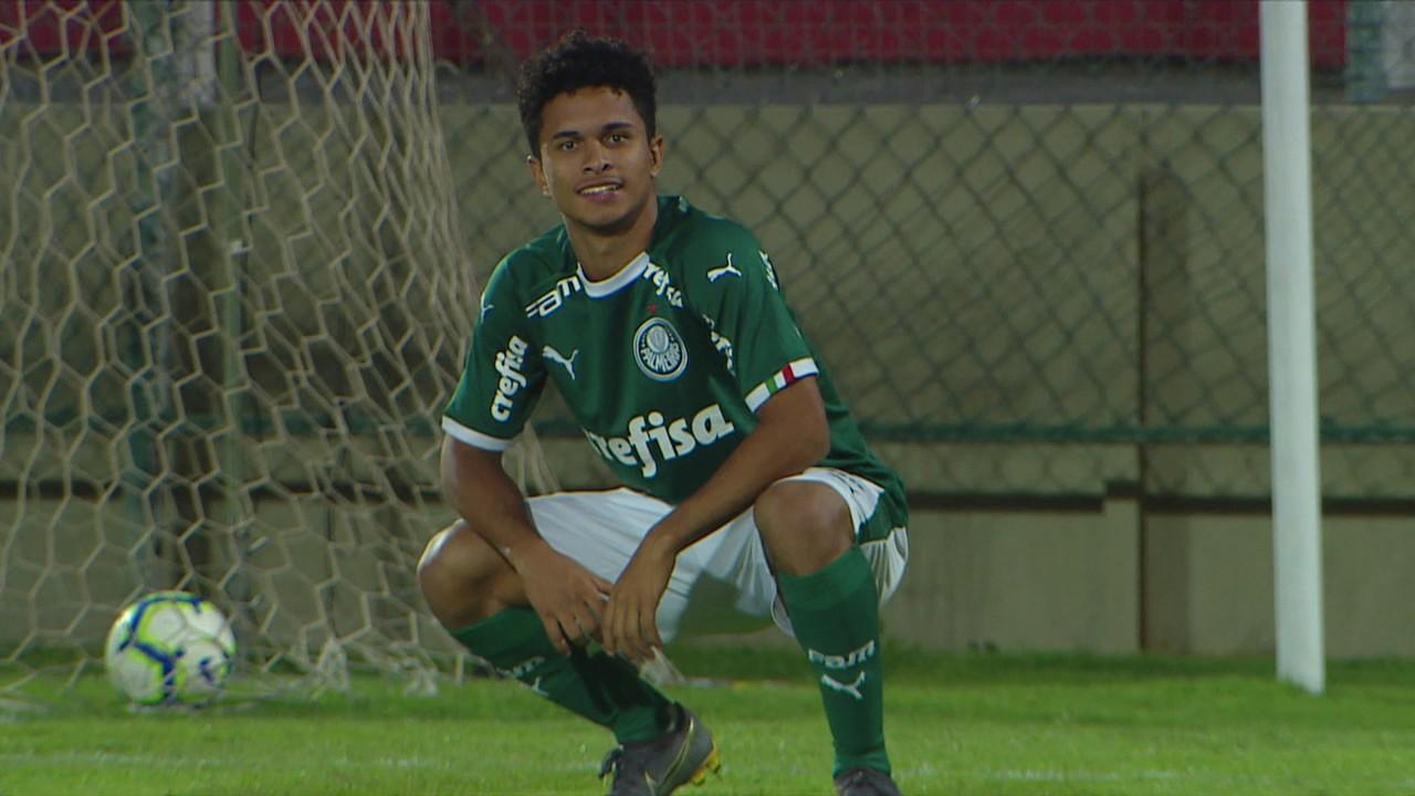 Gol do Palmeiras! Veron levanta de trivela, e Gabriel Silva faz de peito aos 4 do 2º tempo