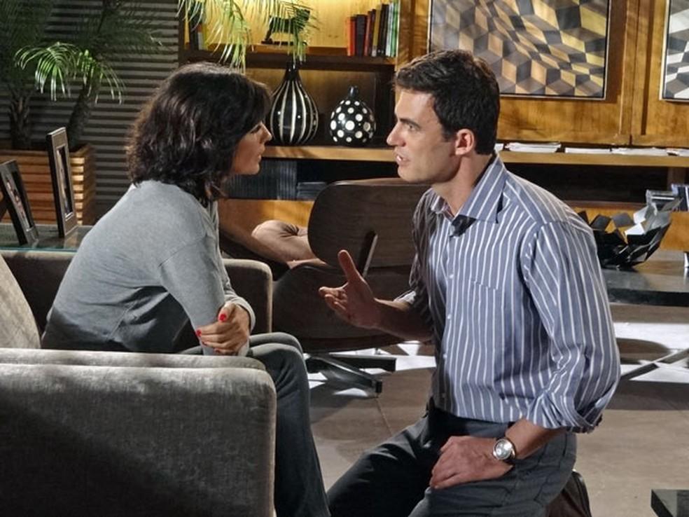 Juan descobre verdade sobre doença de Chiara em 'Fina Estampa' — Foto: Globo