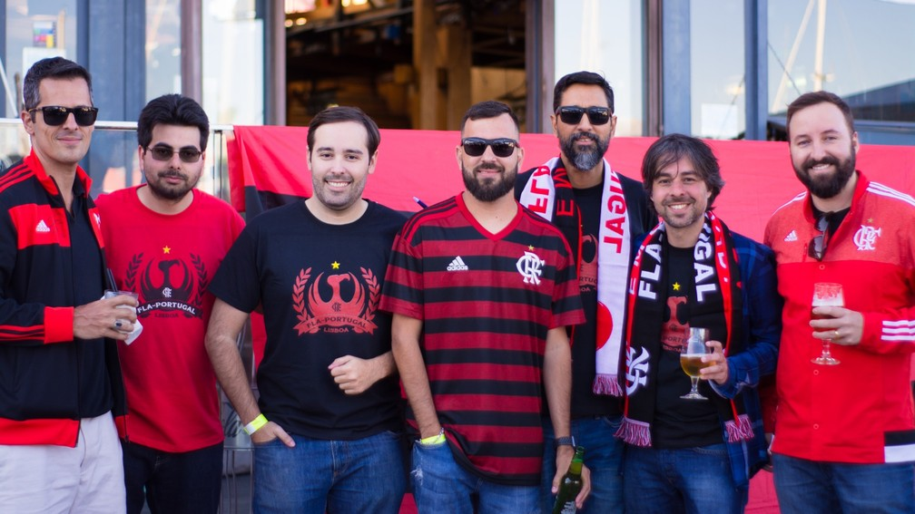 Os fundadores da Fla-Portugal, da esquerda para a direita: Nelson, Nicholas, Patrick, Felipe Faria, Leonardo, Felipe Dobbin e Thiago — Foto: Arquivo Pessoal