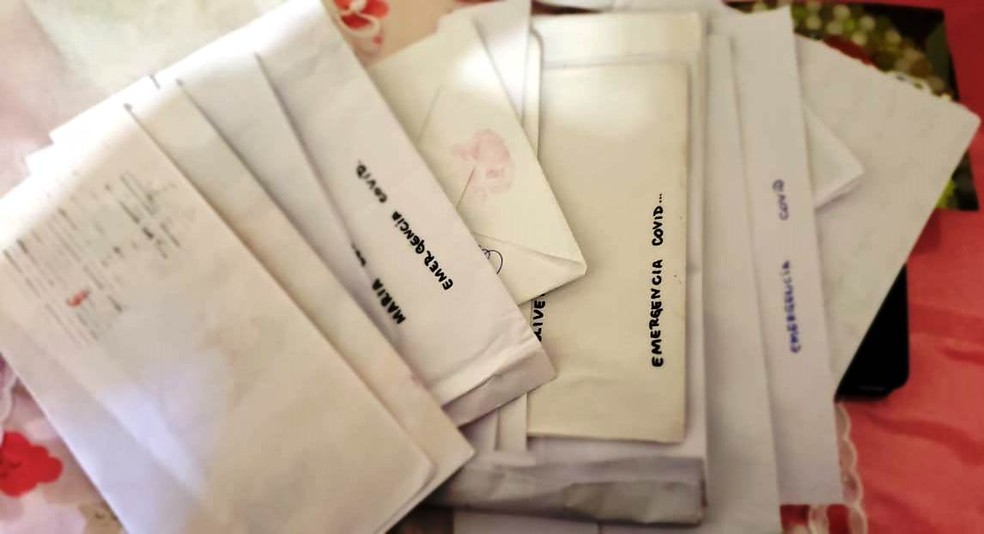 17 cartas foram entregues pela filha de Maria Célia durante a internação — Foto: Arquivo Pessoal