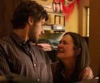 Adriana Esteves e Chay Suede são Thelma e Danilo em 'Amor de mãe' | TV Globo