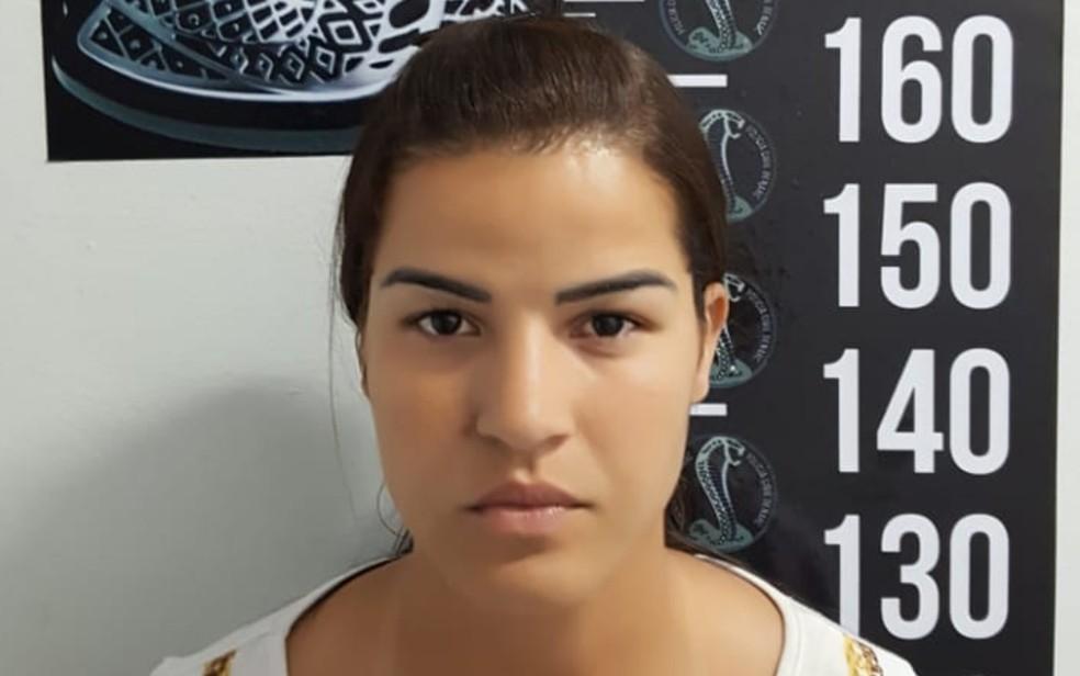 Graziela da Ressureição Santos foi presa suspeita de comandar laboratório de drogas, em Goiânia, Goiás — Foto: Divulgação/Polícia Civil