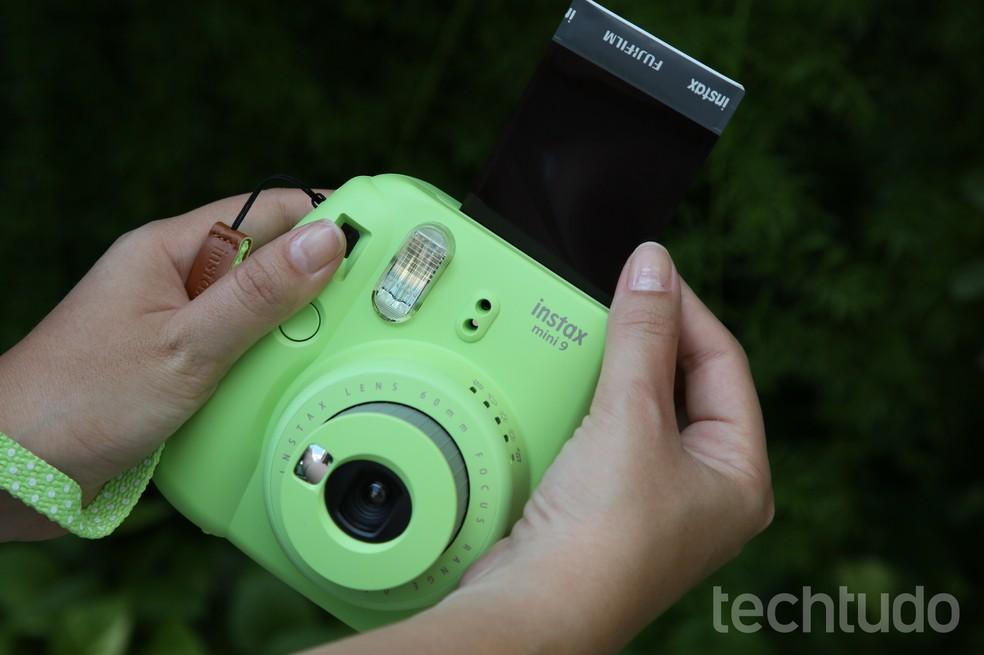 81de5c631b ... Instax Mini 9 tem design charmoso de câmera retrô — Foto: Luciana  Maline/TechTudo