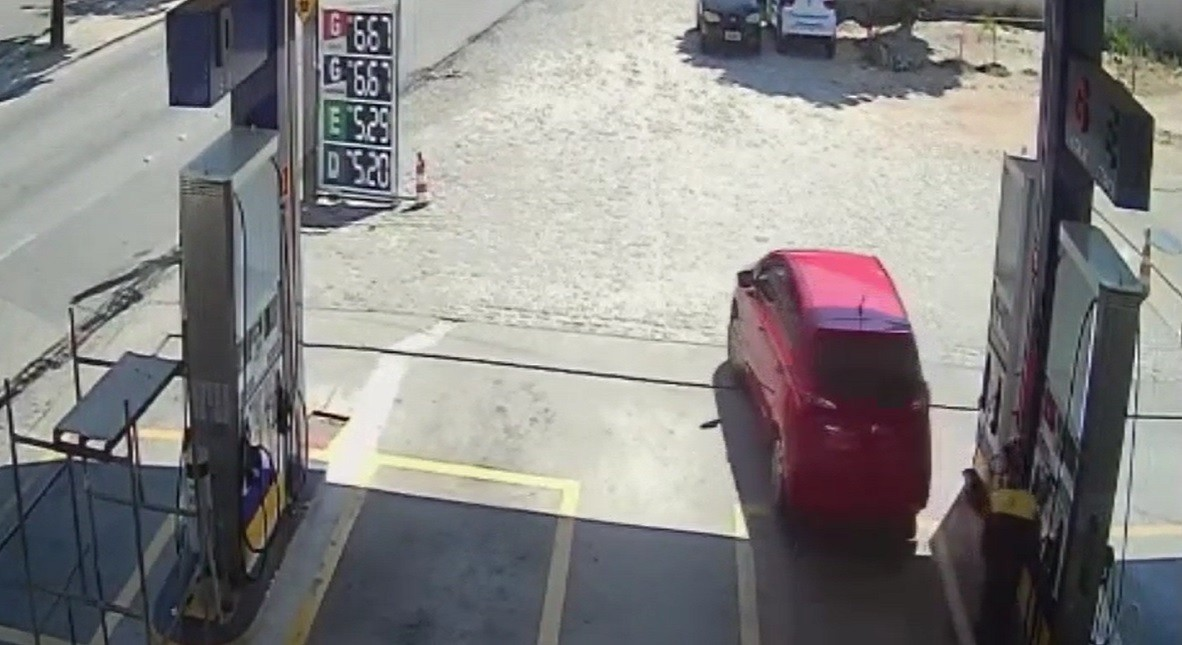 Motorista abastece veículo e foge sem pagar em Fortaleza; vídeo