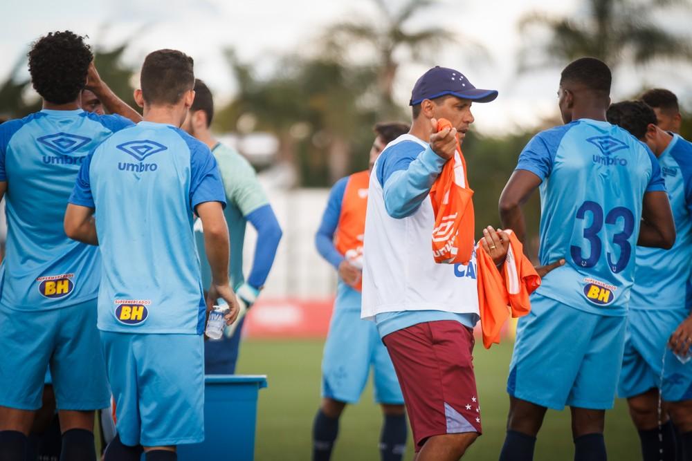Bahia x Cruzeiro: Sidnei Lobo confirma equipe completamente reserva, e titulares ganham férias