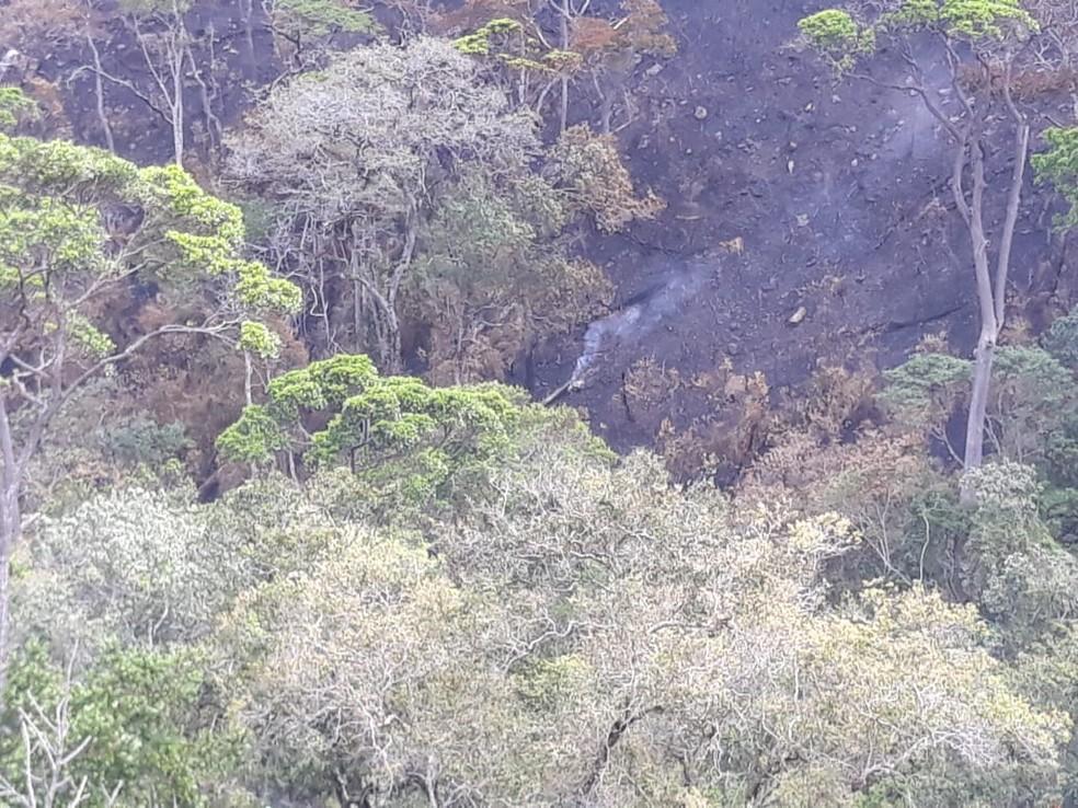 Incêndio foi controlado na área de vegetação da cidade de Rio de Contas, na Chapada Diamantina, na terça-feira (22) — Foto: Divulgação/Corpo de Bombeiros