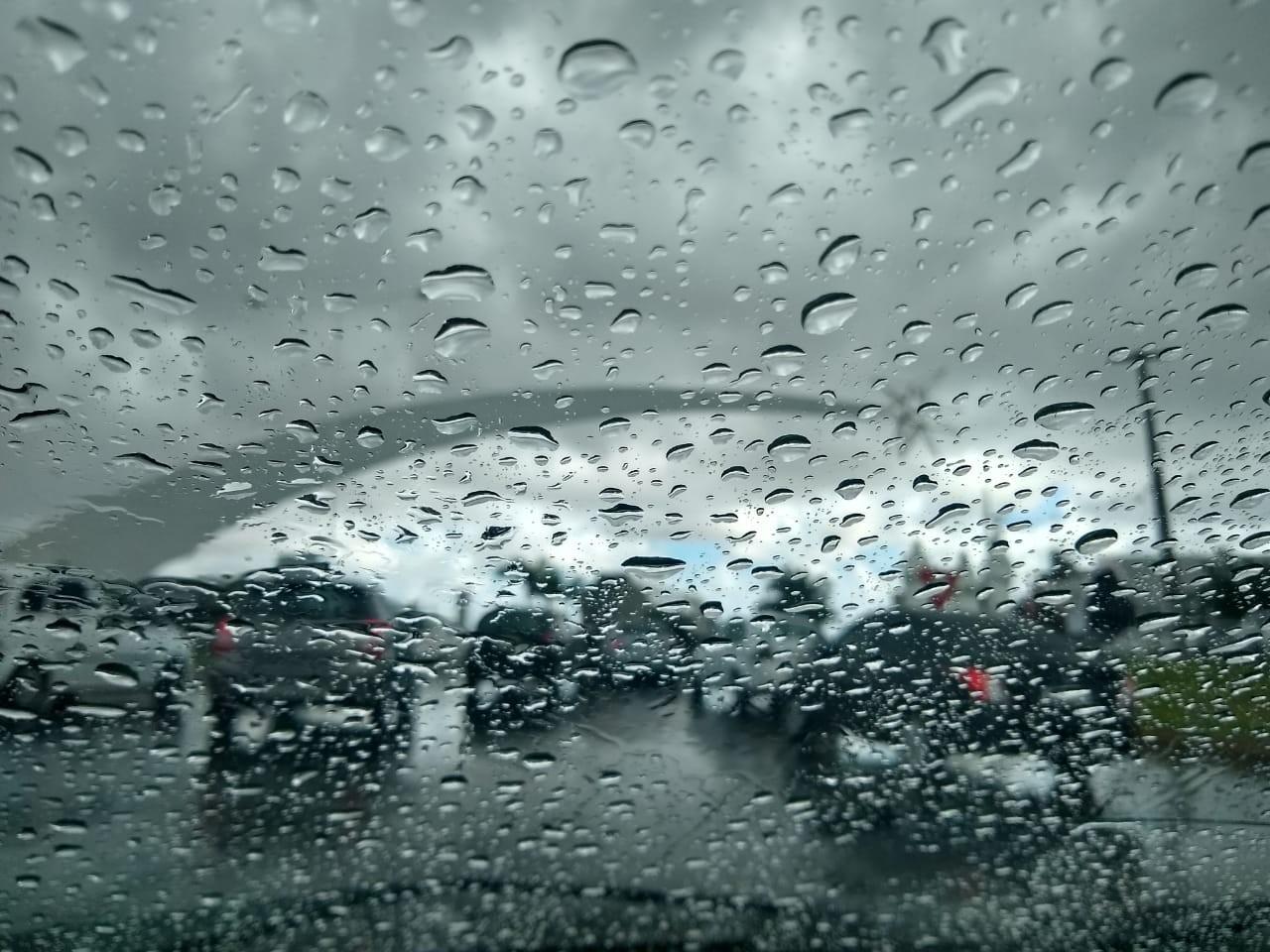 Com raios e trovões, Natal registra chuva de 60 milímetros