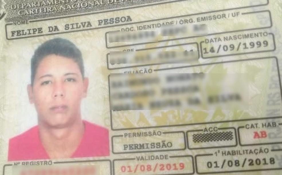 Felipe Pessoa, de 19 anos, foi morto a tiros em campo de futebol no interior do Acre — Foto: Divulgação/PM-AC
