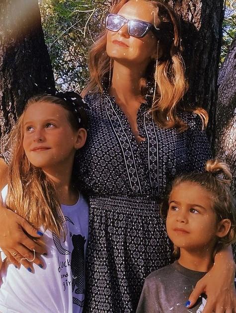 Fernanda Rodrigues e os filhos  (Foto: Reprodução/ Instagram)