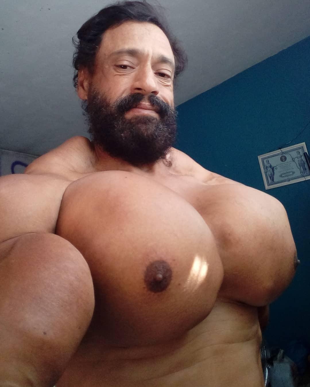 Este homem quer virar o Hulk injetando óleo no corpo - GQ