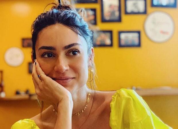 Thaila Ayala visita restaurante da chef Kátia Barbosa e agradece: