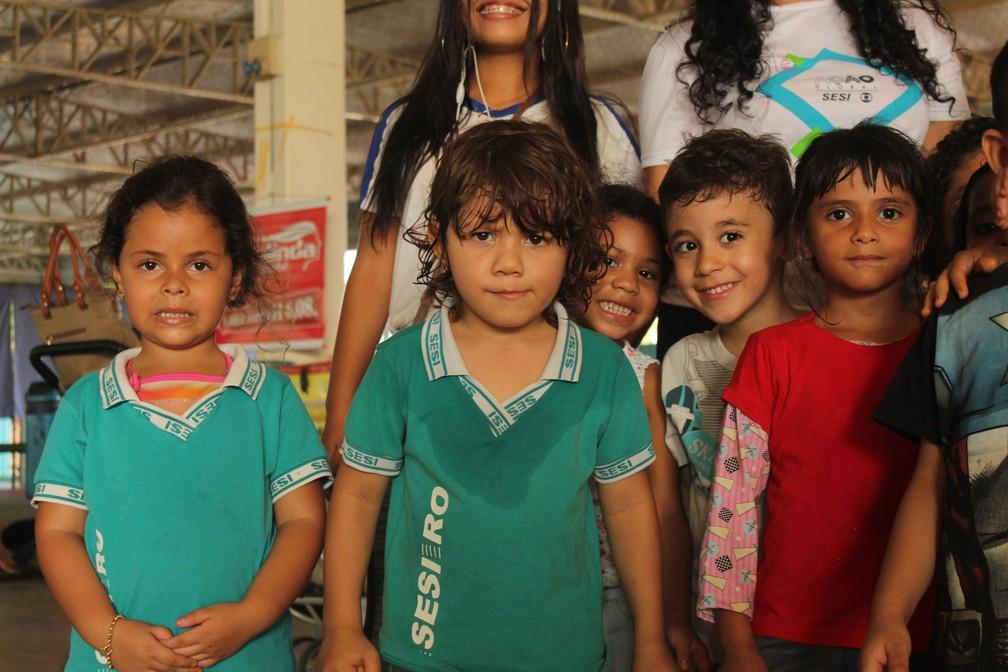Alunos do Sesi participaram da 1ª edição do Dia da Alegria em Porto Velho.  — Foto: Pedro Bentes/G1