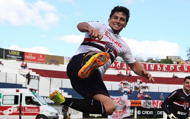 Aloisio são paulo gol internacional série A (Foto: Rubens Chiri / saopaulofc.net)