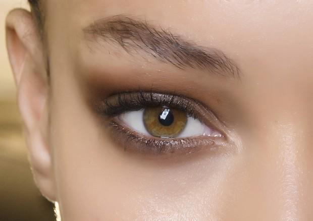 Inspirações de makes para olhos para casamentos realizados à noite. Beleza para desfile de Jean-Paul Gaultier. (Foto: Matteo Scarpellini/imaxTree)