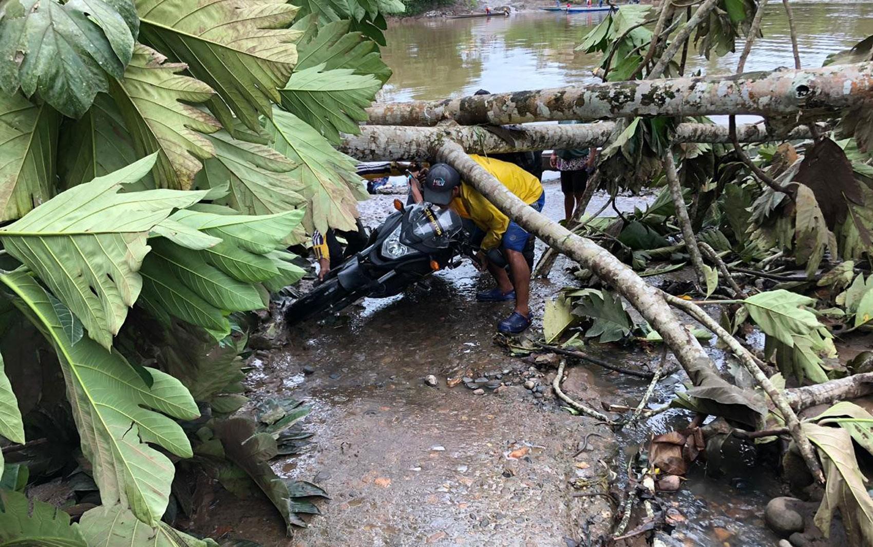 Brasileiros que ficaram retidos ao tentar viajar pelo Equador de moto conseguem sair do país  - Notícias - Plantão Diário