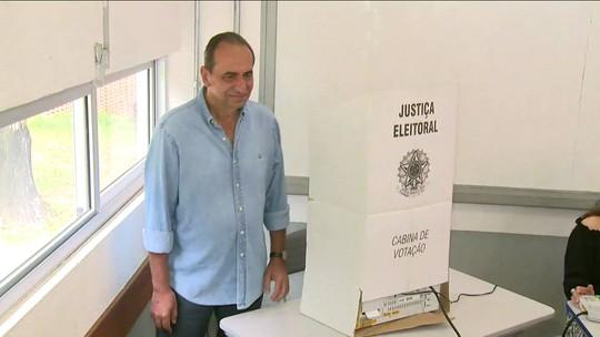 Alexandre Kalil (PHS) vota em BH