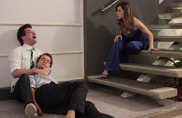 Na terça (7), Fred (Carlos Vieira) vai morrer após um embate com Tereza Cristina (Christiane Torloni) e o público saberá que ele era amante de Crô (Marcello Serrado) (Foto: TV Globo)
