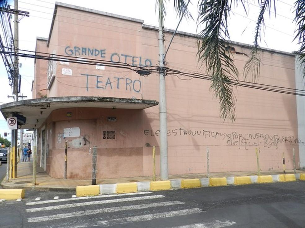 -  Teatro Grande Otelo em Uberlândia deve ser restaurado em breve conforme prazo judicial  Foto: Caroline Aleixo/G1