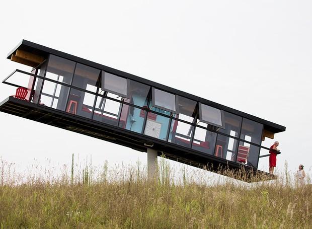 Casa pivotante ReActor House, de Ward Shelley e Alex Schweder (Foto: Richard Barnes/Divulgação)